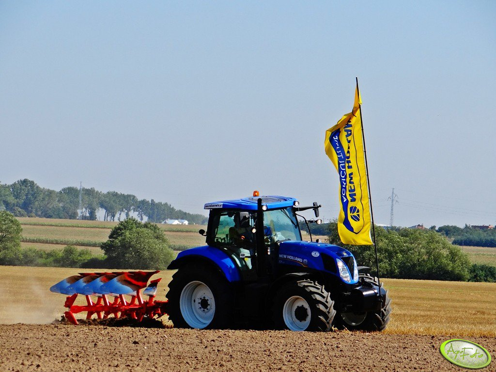New Holland T7.170 + Kuhn