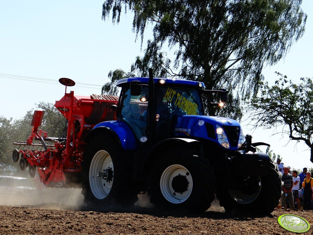 New Holland T7.220 + Kuhn LC 3000