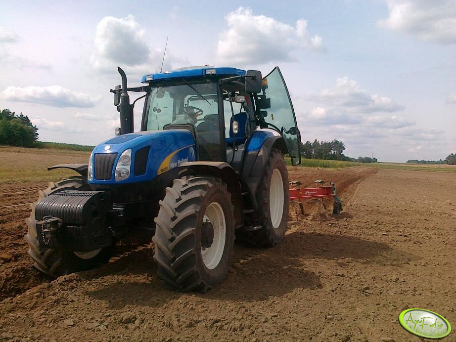 New Holland T6050 Plus + Kverneland