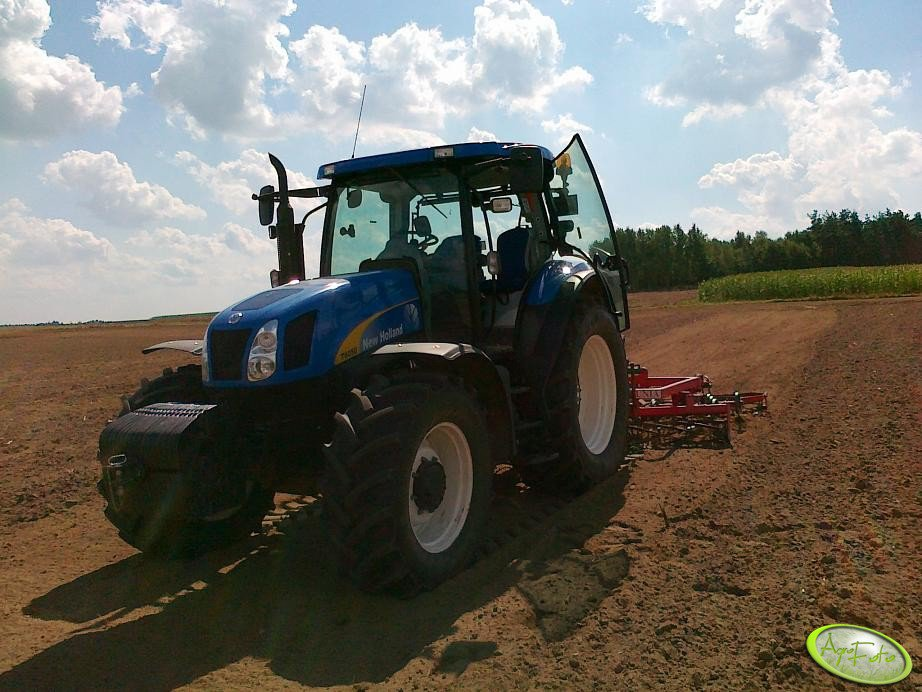 New Holland T6050 Plus + Unia