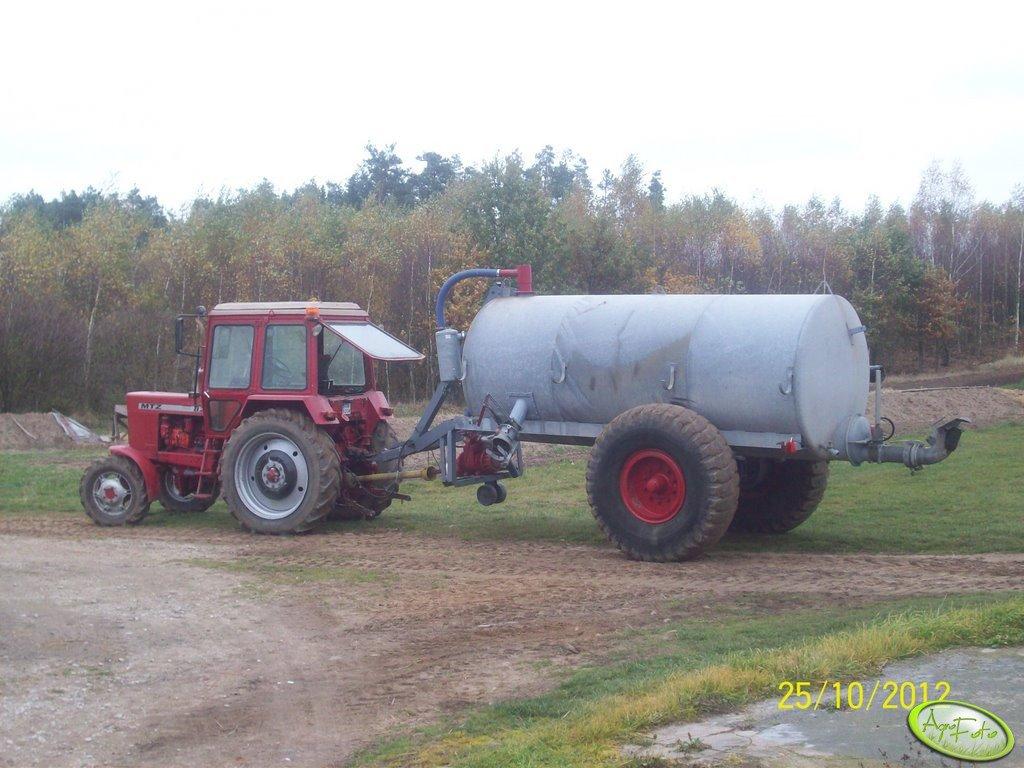 MTZ 82 i Beczkowóz 8000 litrów