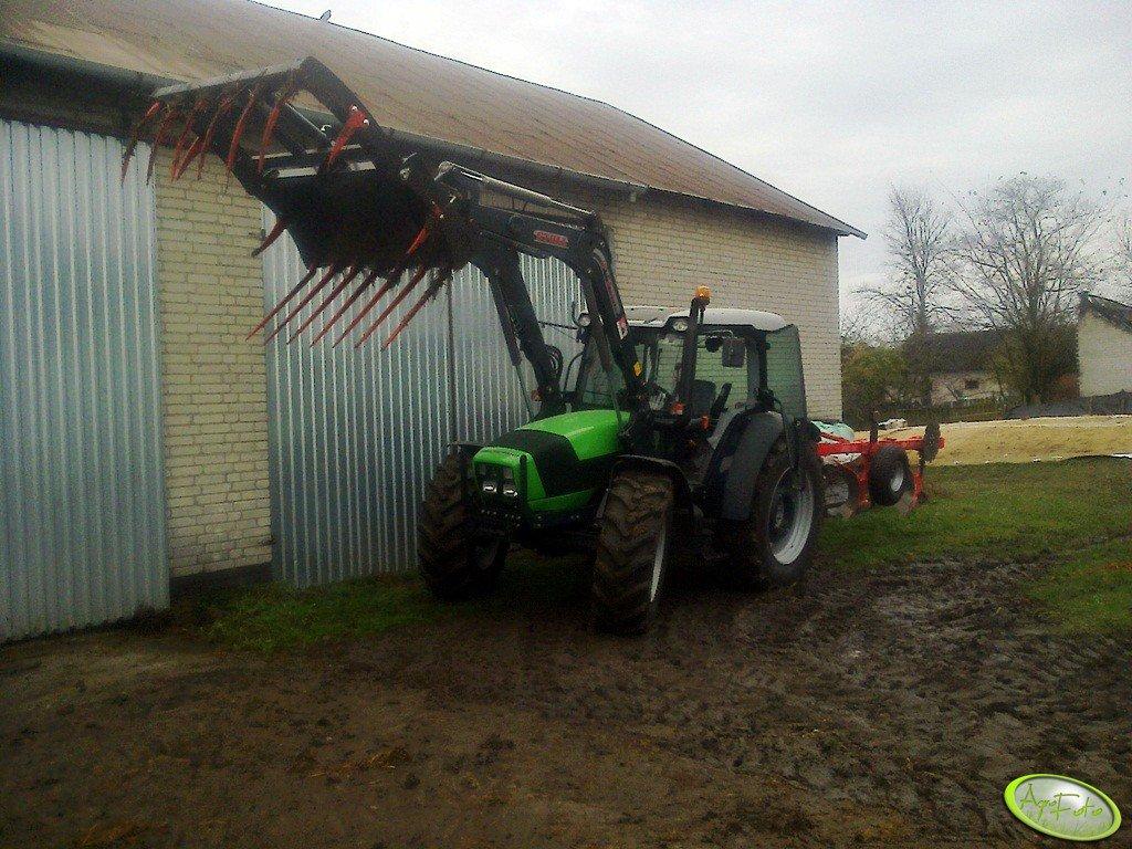 Deutz Fahr Agrofarm 410 + Stoll FZ 10 & Akpil Mix 40 3+1