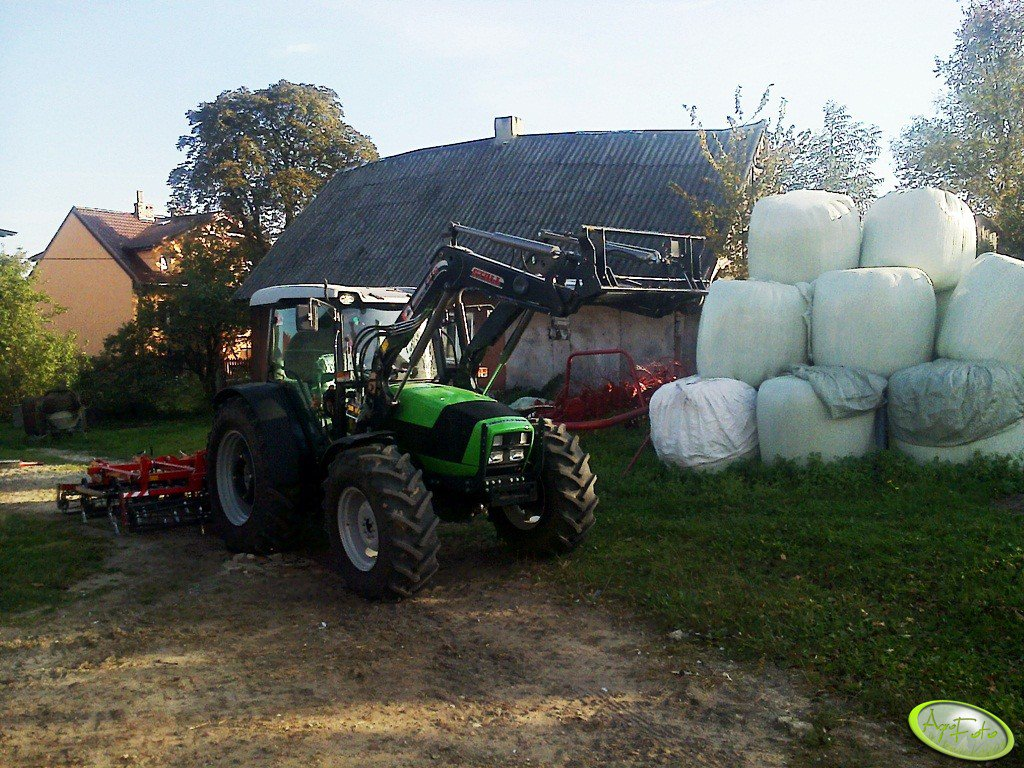Deutz Fahr Agrofarm 410 + Stoll FZ 10 & Expom Lech 3,3 m