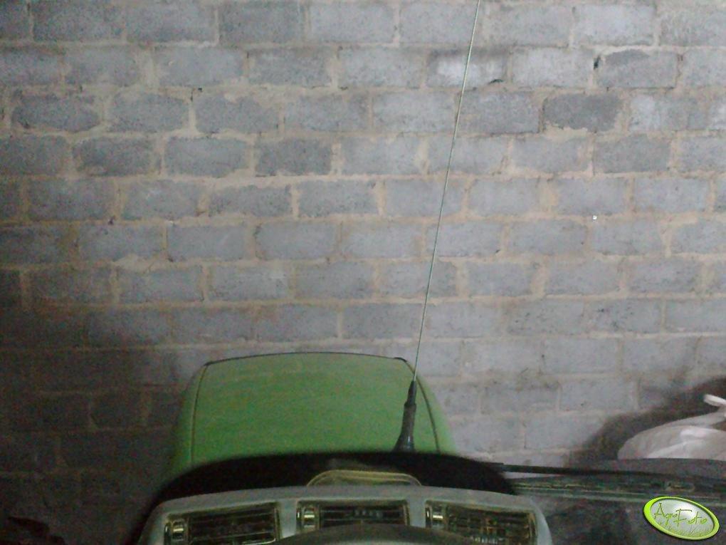Deutz Fahr Agrotron M650 z anteną CB