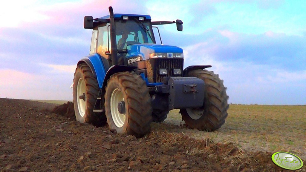 New Holland 8770