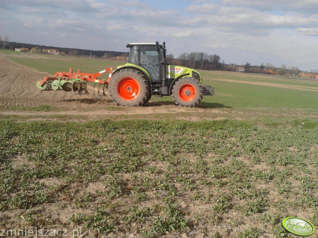 Claas Arion 410 + gruber