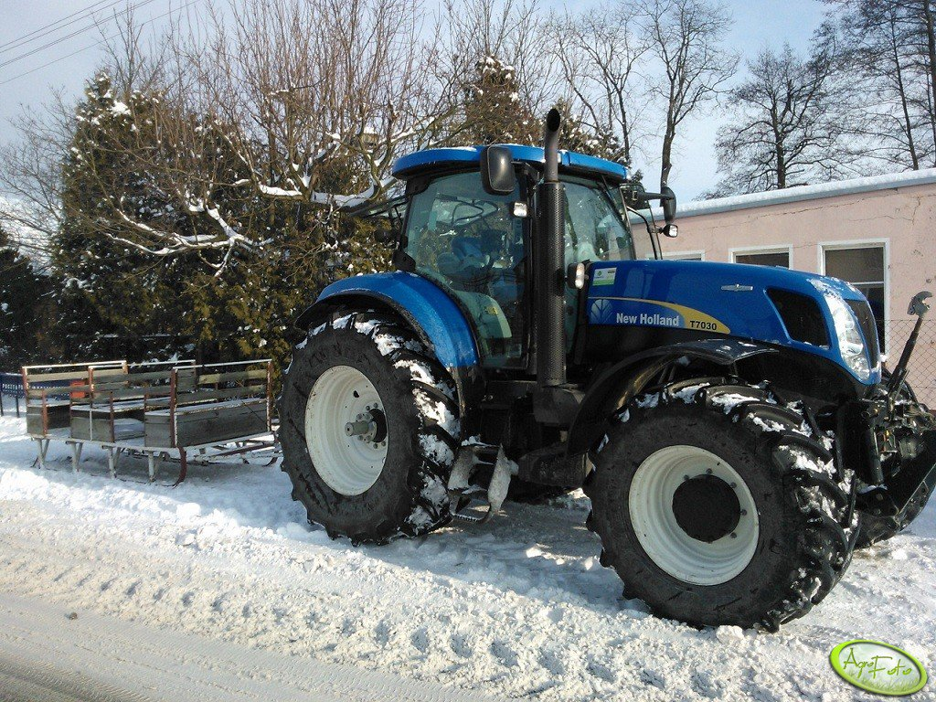 New Holland T7030 AutoCommand