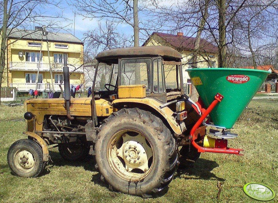 Ursus C-360 + Rozsiewacz nawozowy GRASS-ROL