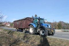 New Holland T6.155 + barakowóz