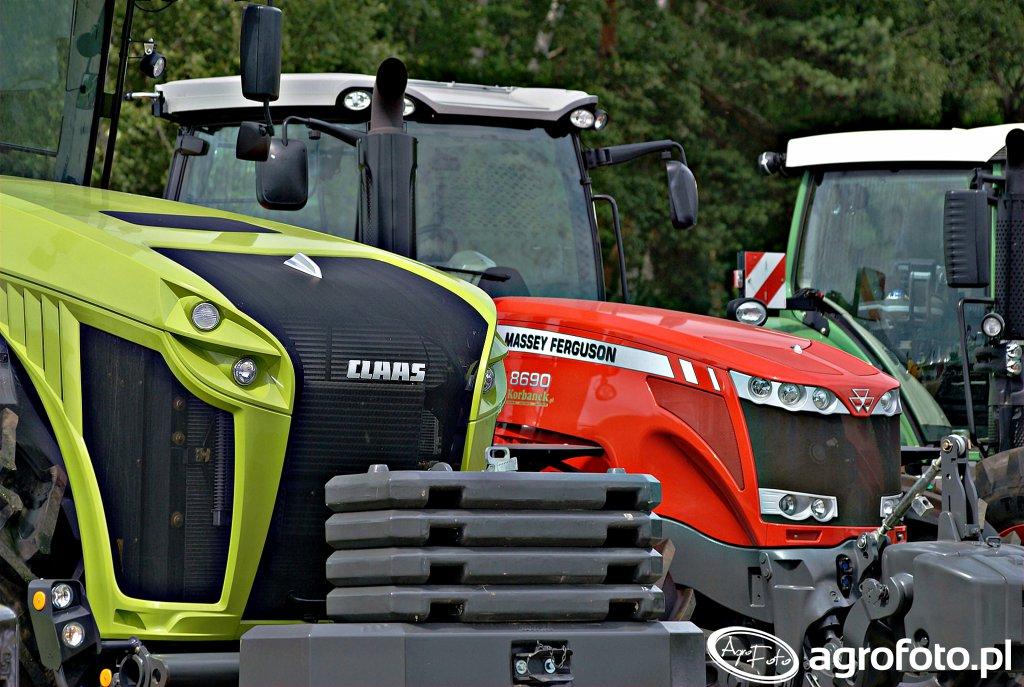 Claas Xerion 5000 + Massey Ferguson 8690