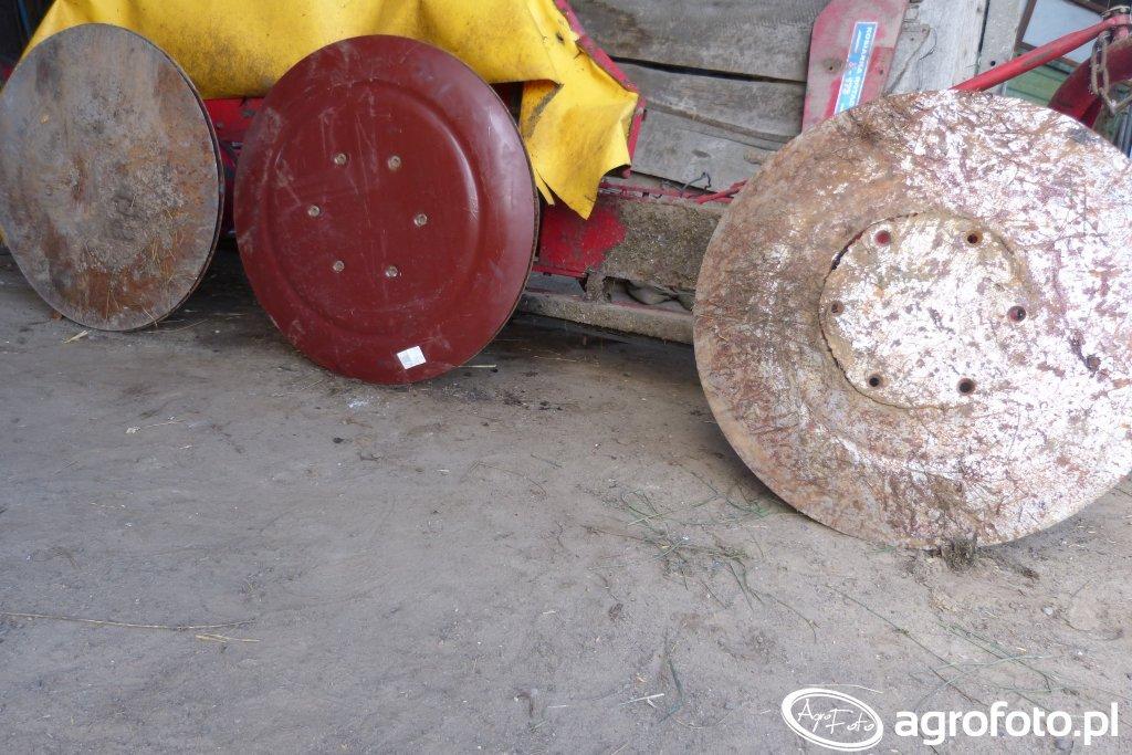 Talerze ślizgowe od kosiarki rotacyjnej Z-173 Biardzki