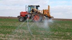 Porównanie pracy dysz MMAT AZ i AGROPLAST eżektorowy dwustrumieniowy