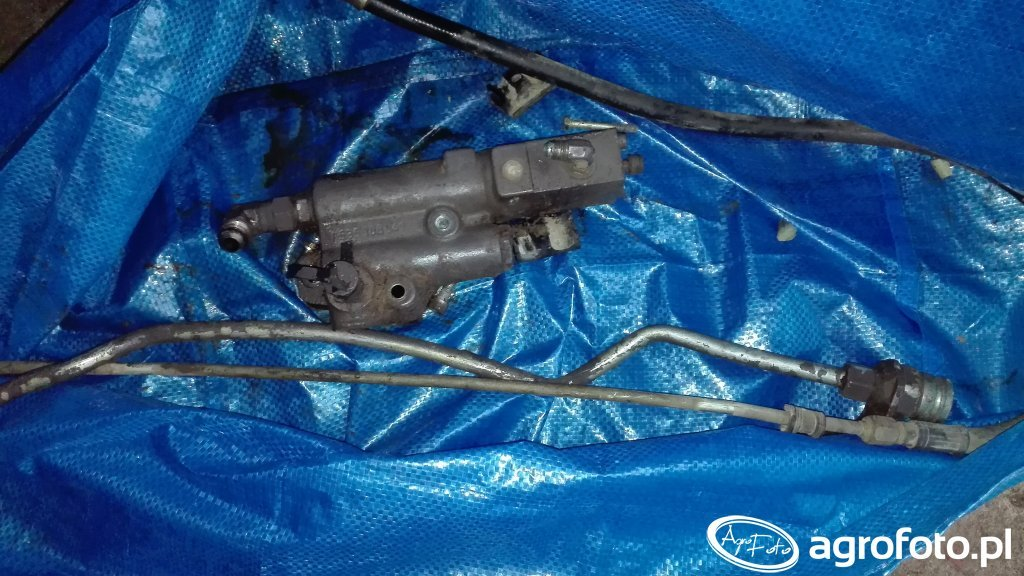 Zawór hamulca hydraulicznego Massey Ferguson
