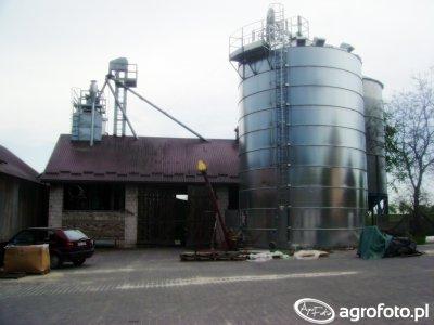 Suszarnia i silosy 250t + 2x150t