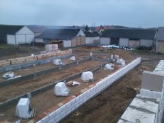 Budowa obory i budynku paszarni