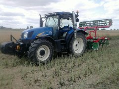 New Holland T6030 + Unia ares TXXL