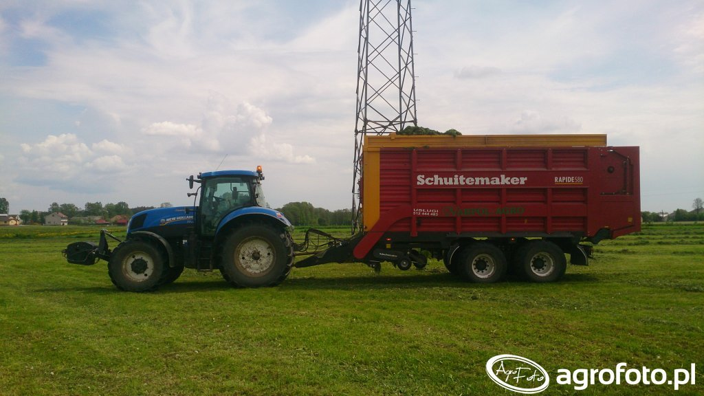 Schuitemaker 580W + New Holland T7.210
