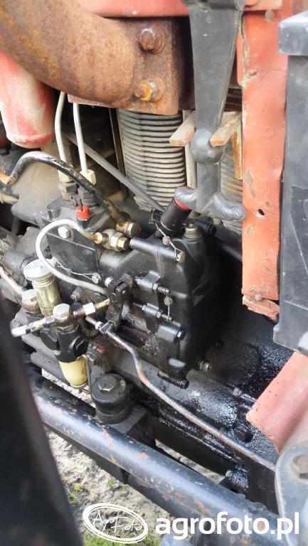 Pompa paliwa w T-25 do Ursusa C-330