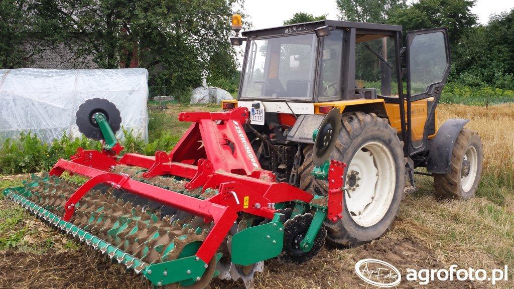 Renault 7534 + Agro-masz 3m