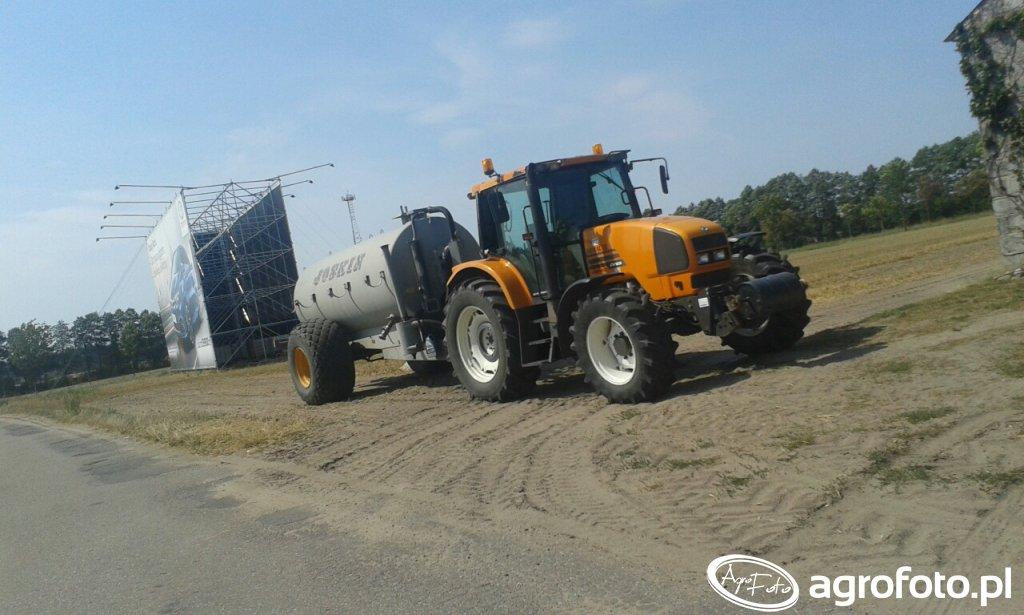Renault Ares 620 & Joskin