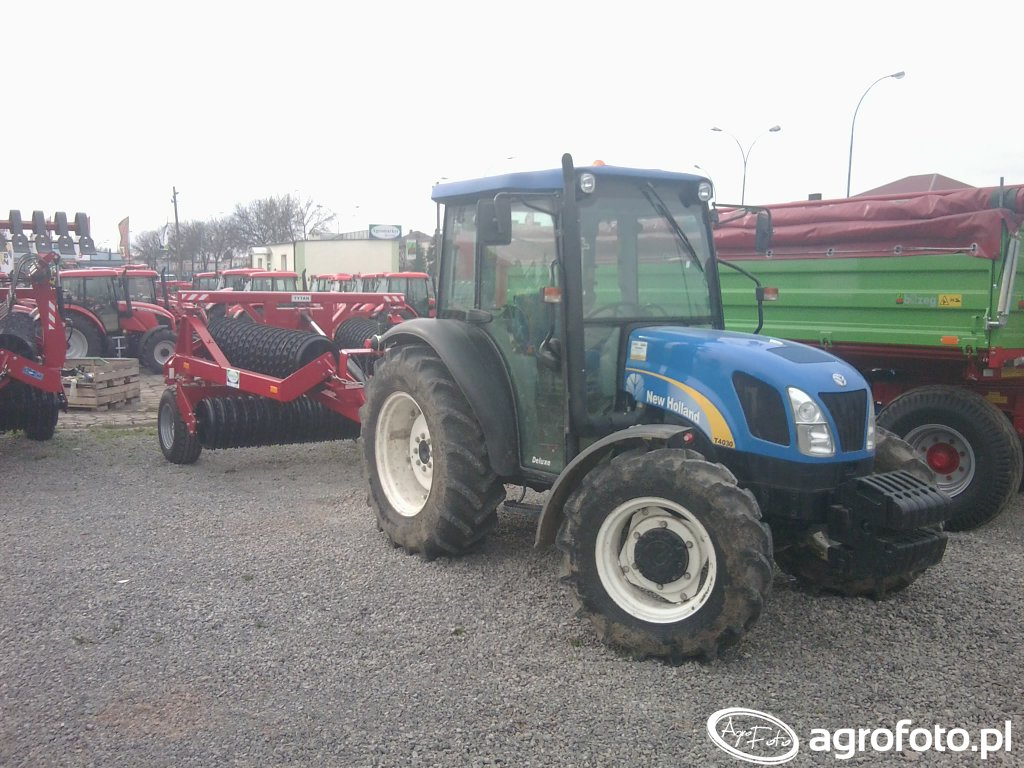 Expom Tytan 500/5,3 m i New Holland T4030 Deluxe
