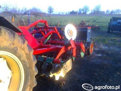 Agro-Masz AT30 + Nordsten Lift-o-matic CLG300