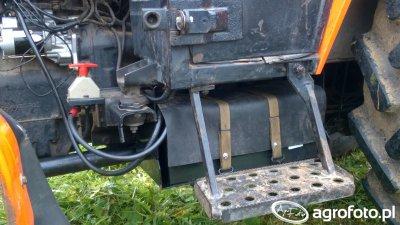 Skrzynka na akumulator + wyłącznik masy Ursus 5314