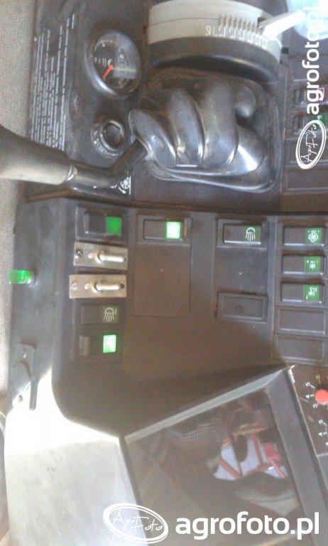 Podświetlenie przycisków na konsoli w kombajnie