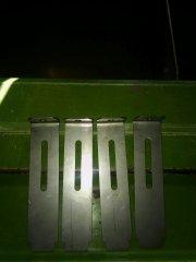Metalowe zasuwki do siewnika Amazone D7