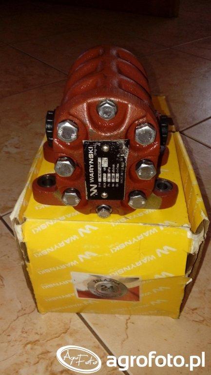 Pompa Waryńskiego Ursus c-330