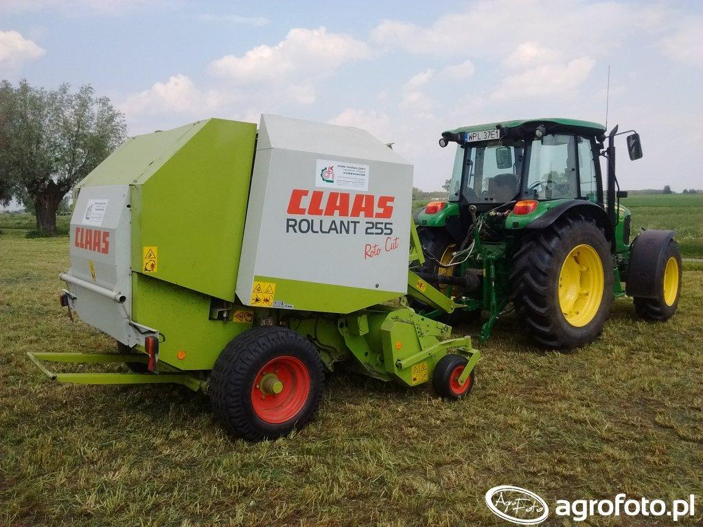 Claas Rollant 255 RC+ John Deere 5090M