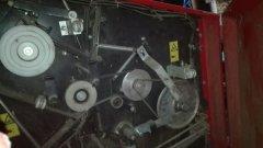 Mechanizm podawania siatki z elektrosprzeglem
