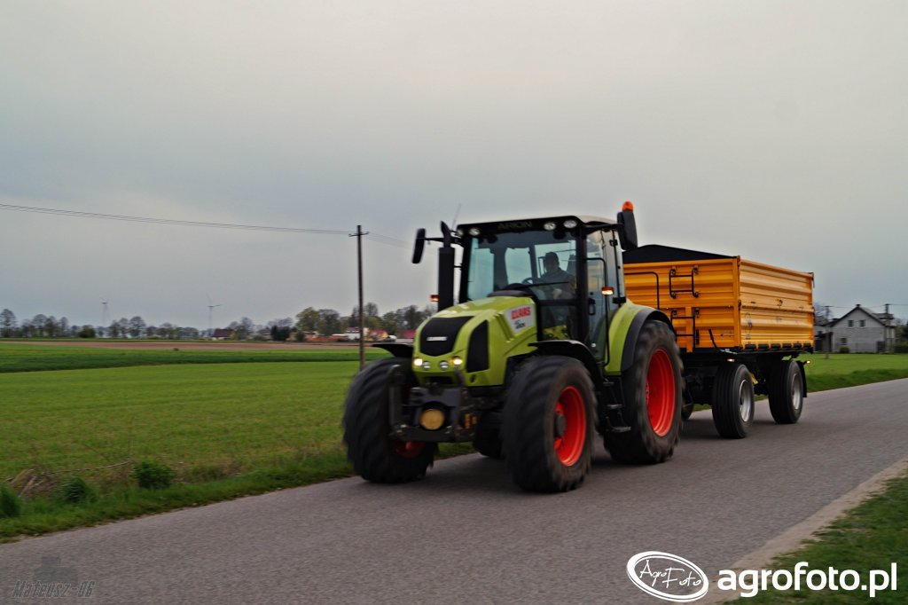 Claas Arion 410 + Wielton