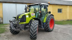Claas Arion 420.