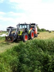 Claas Arion 430 & Kuhn vb2260