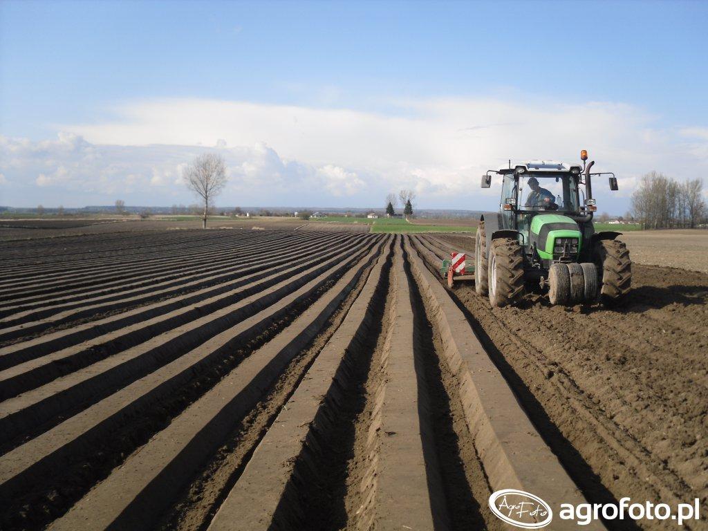 Deutz-Fahr Agrofarm 430 , Brona wirowa KUHN 3m i redliniarka 4-rzędowa