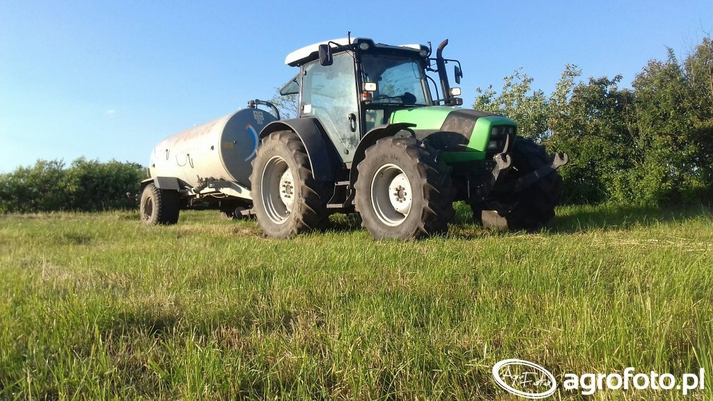 Deutz-Fahr Agrofarm 430 & Pomot Chojna 5000 l