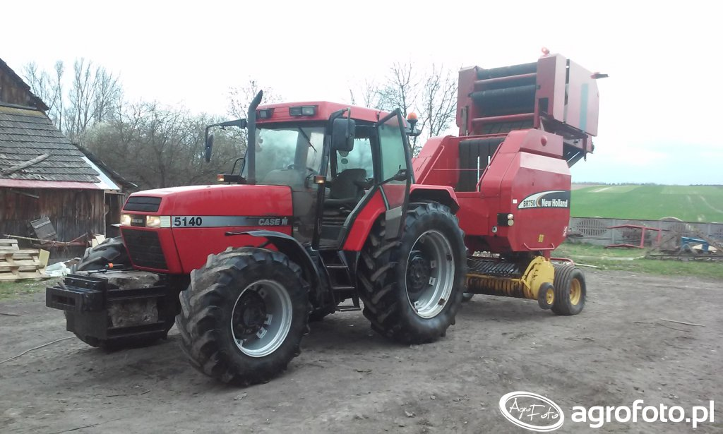 Case 5140 + New Holland Br 750