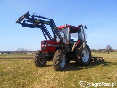 Case 685 XL + UG 2.1m + Tur Trima 1490
