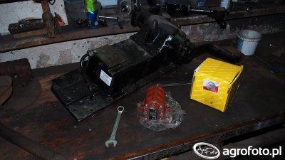 Ursus C-330 wymiana pompy hydraulicznej podnośnika