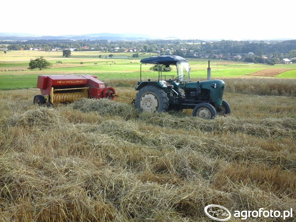 Ursus C-328 & New Holland