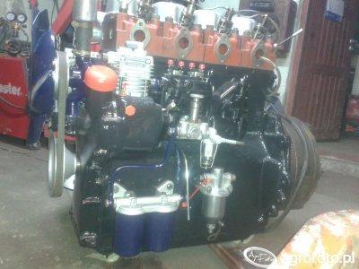 Silnik C-4011