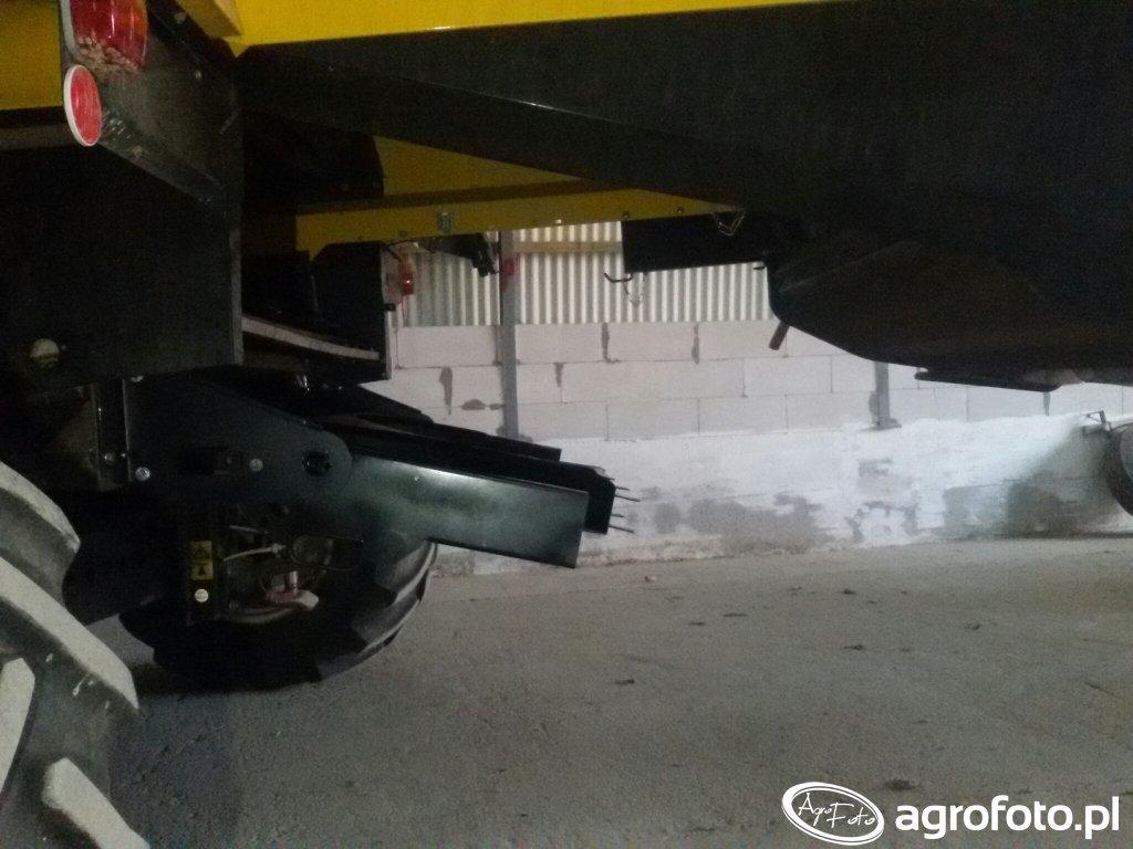 New Holland CX 5080 montaż  rozrzutnika plew