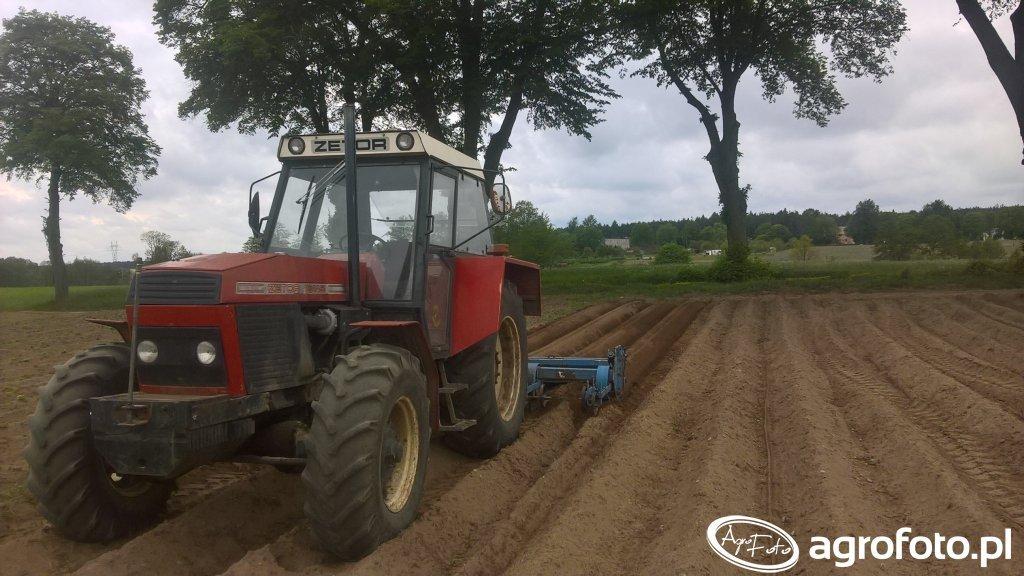 Zetor 16145 + formownica agromet pioner