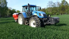 New Holland TVT195 & Rauch Axis 30.1
