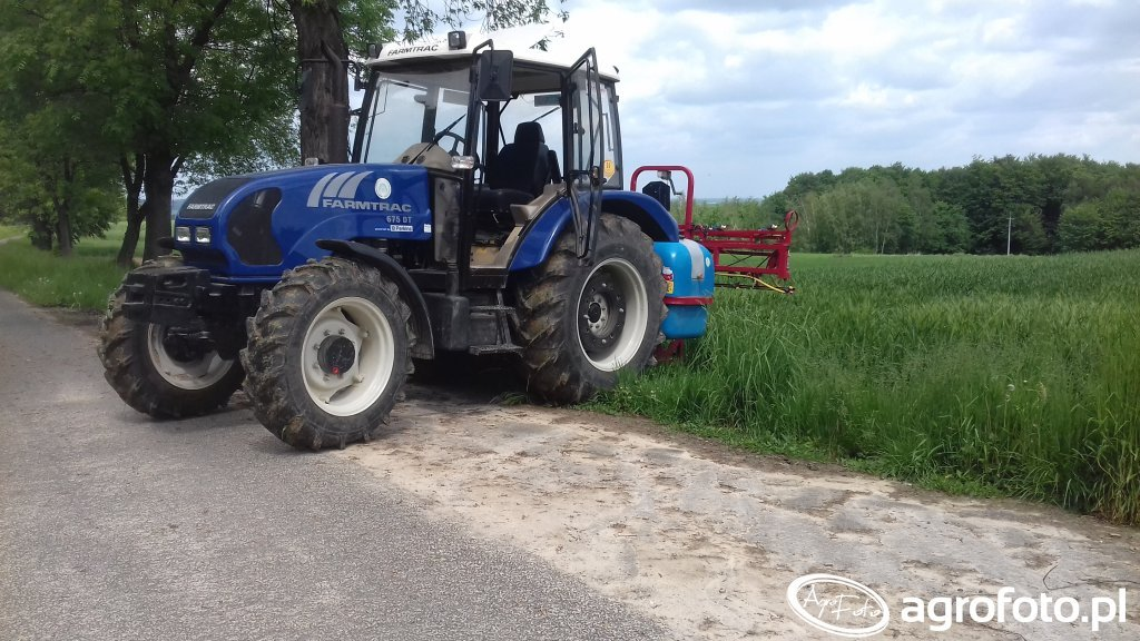 Farmtrac 675 DT + Biardzki 600l