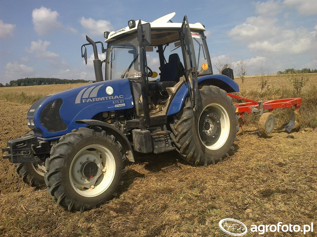 Farmtrac 675 DT + Staltech U170