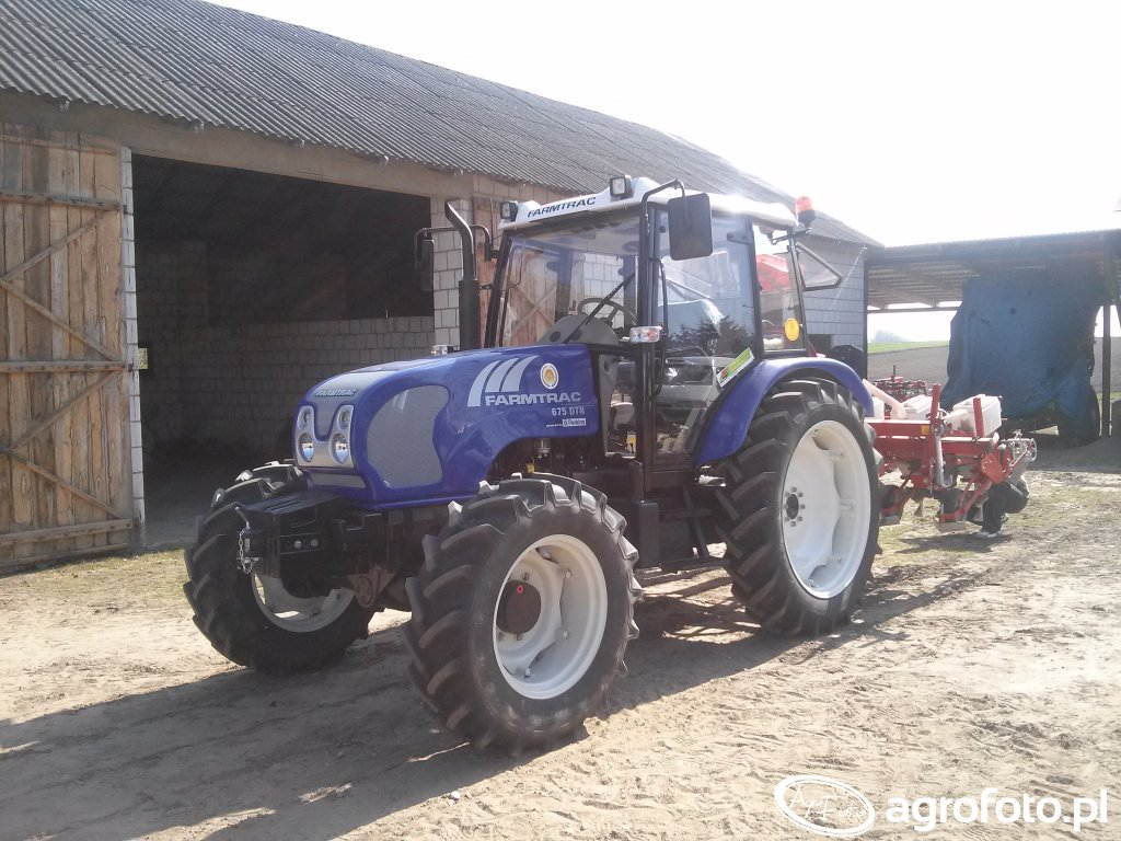 Farmtrac 675 DTN + Demeter Variosem