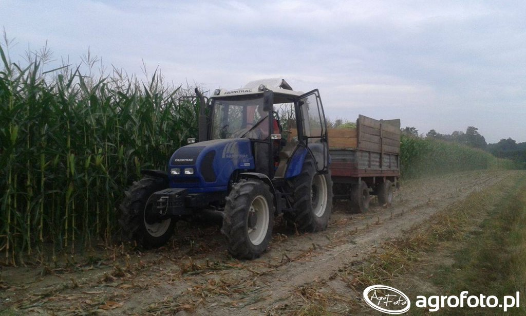 Farmtrac 685dt sieczkarnia PZ