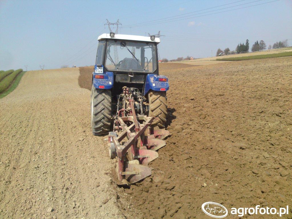 Farmtrac 80 4WD & pług UG